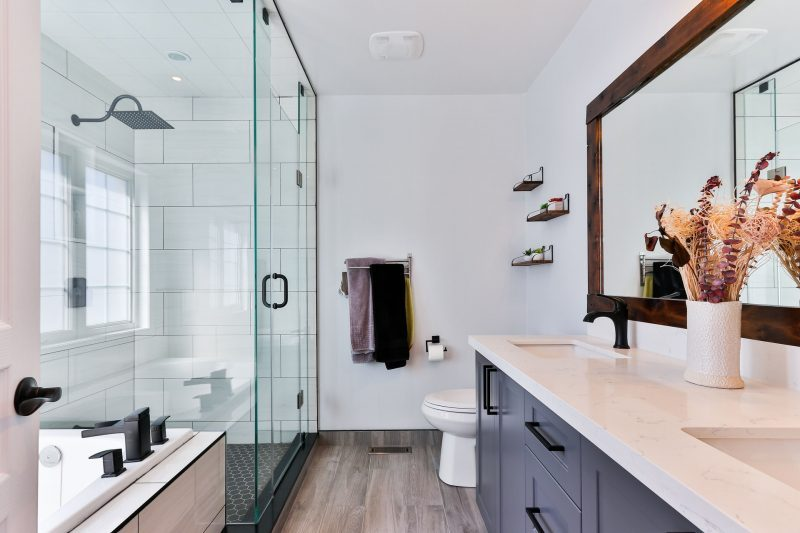 Tips for Decluttering Messy Bathroom