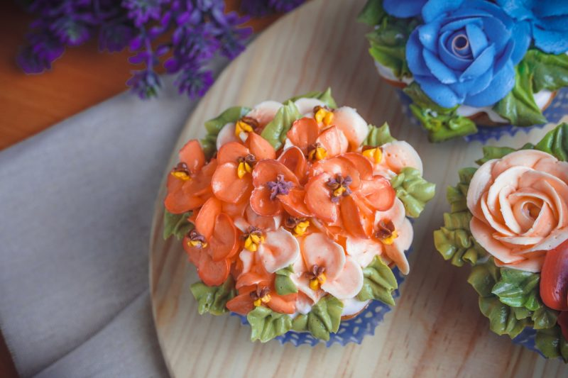 Floral Cakes For Birthday
