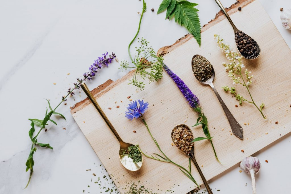 Health Benefits of Popular Herbs and Spices